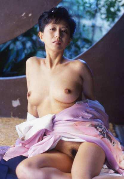 kobayashihitomi2046