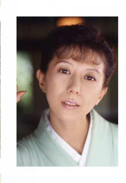 kobayashihitomiA3015