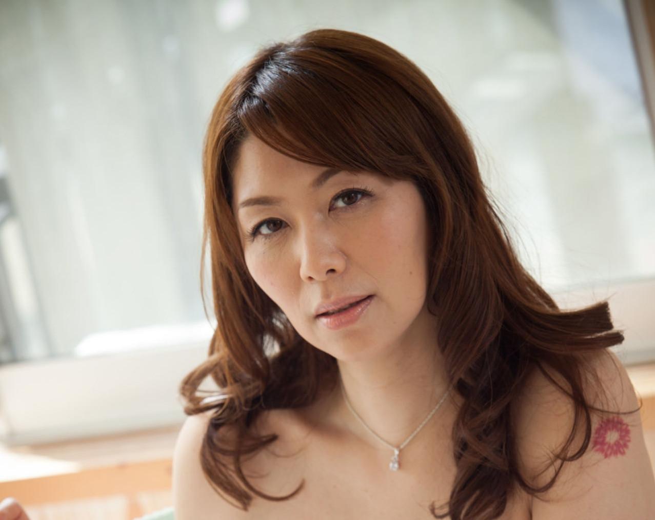 【熟女のおもてなし】翔田千里 熟しきった果実 47photos