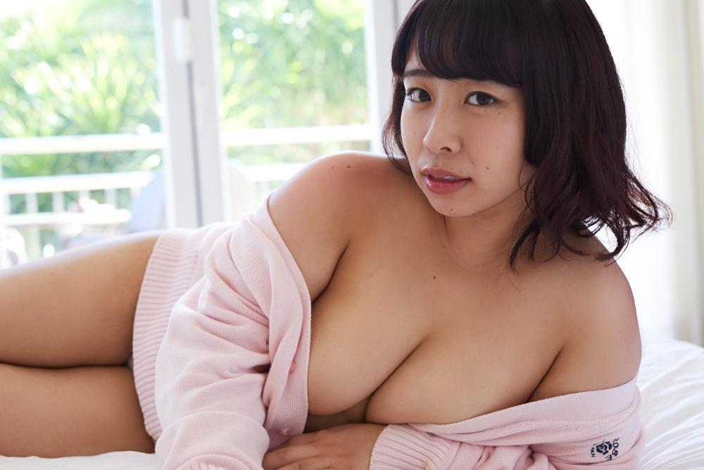 餅田コシヒカリ「あなたにしか見せない顔」 ギルドデジタル写真集 68photos