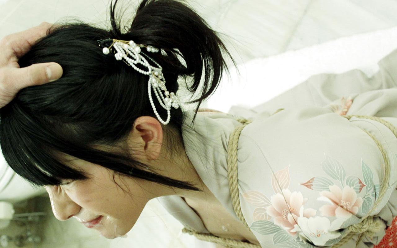 若妻 奴隷撫子 奥ゆかしき和装美女を旦那のかわりにシツケて犯る 上原亜衣 83photos