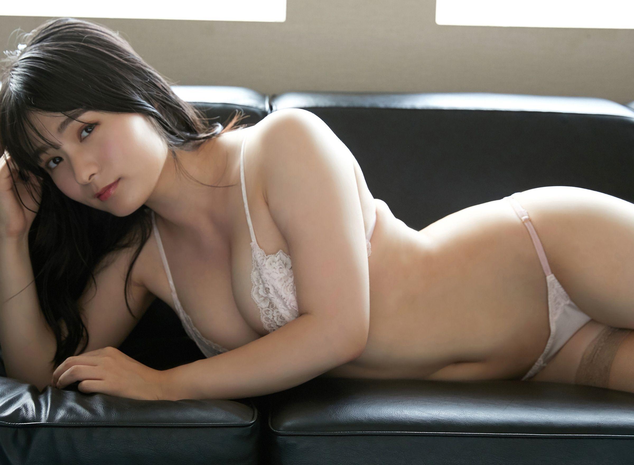 魅惑の秘書 星名美津紀 50photos