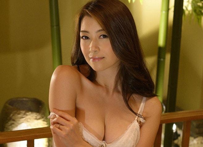 美熟女クイーン 北条麻妃 写真集 62photos