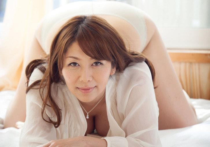 翔田千里 人妻の美しくいやらしい肉体 スペシャルパック 205photos