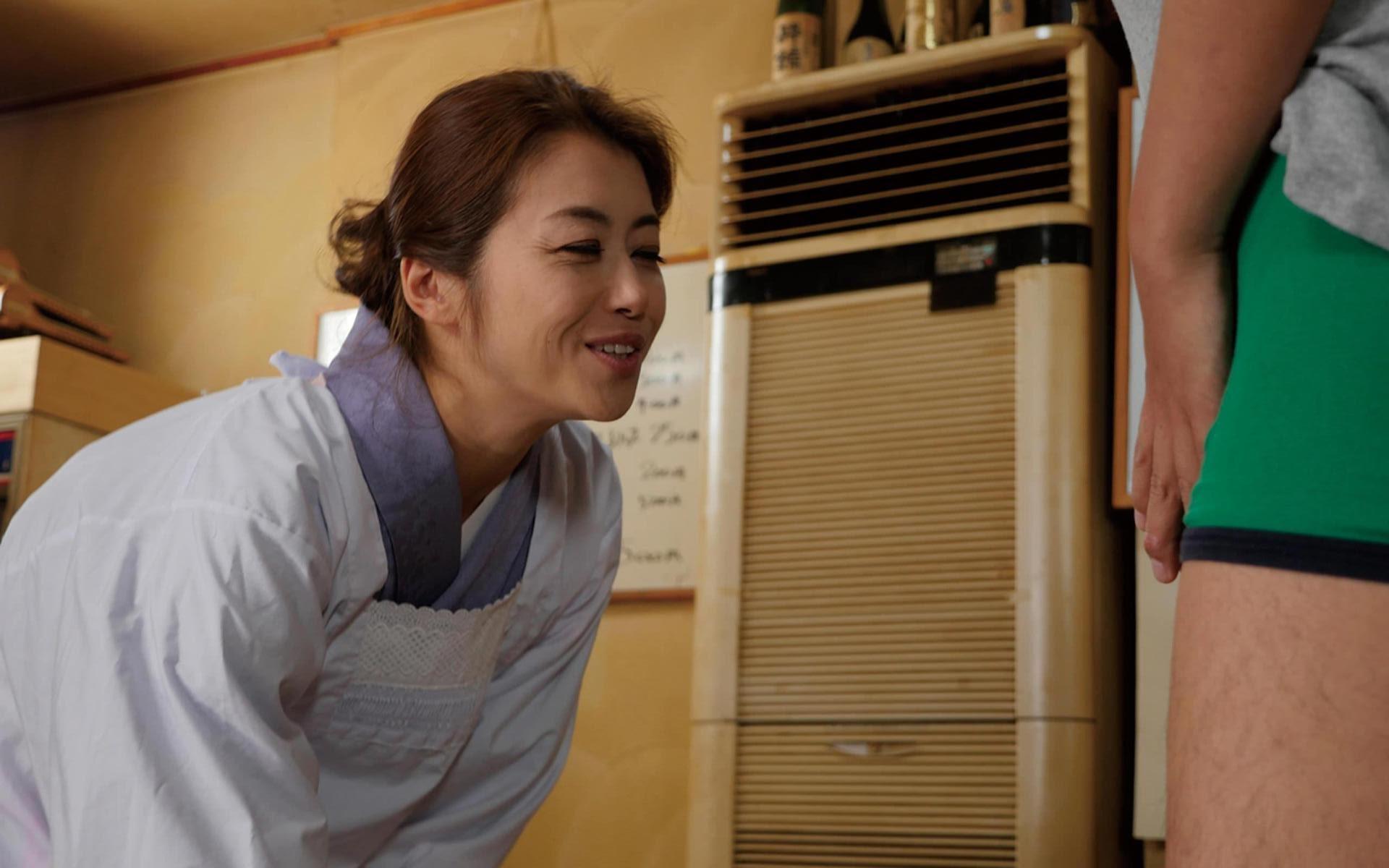 北条麻妃『小料理屋のママさん』(デジタル写真集) 140photos