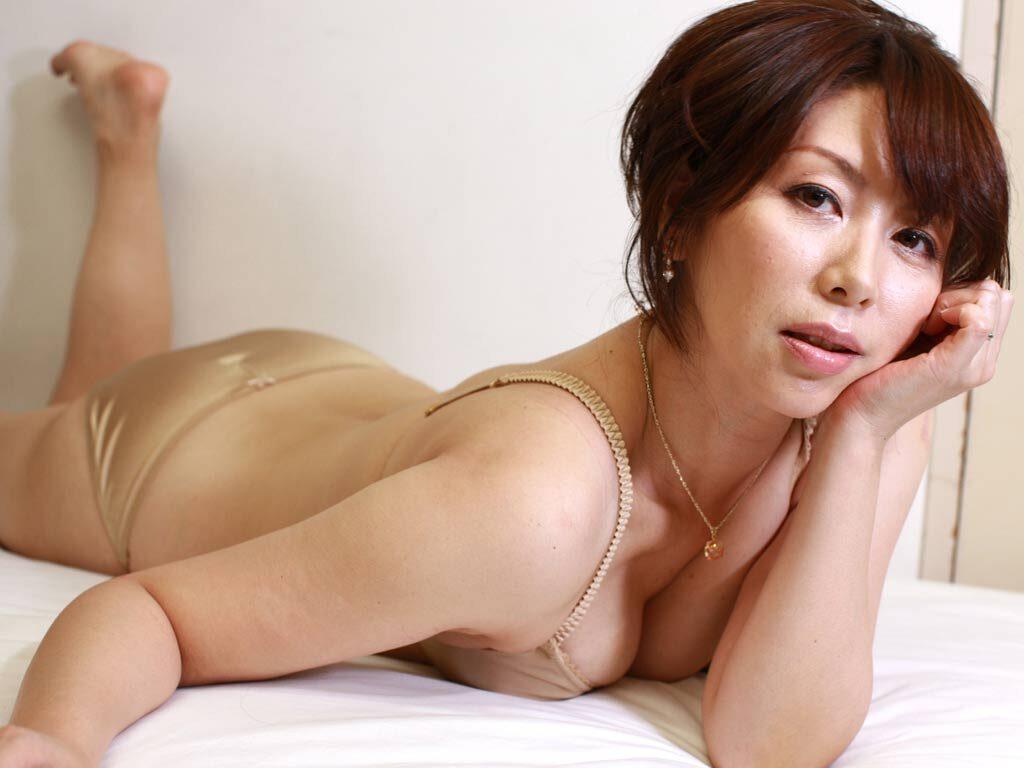 癒し系人妻 翔田千里 解禁お宝写真集 46photos
