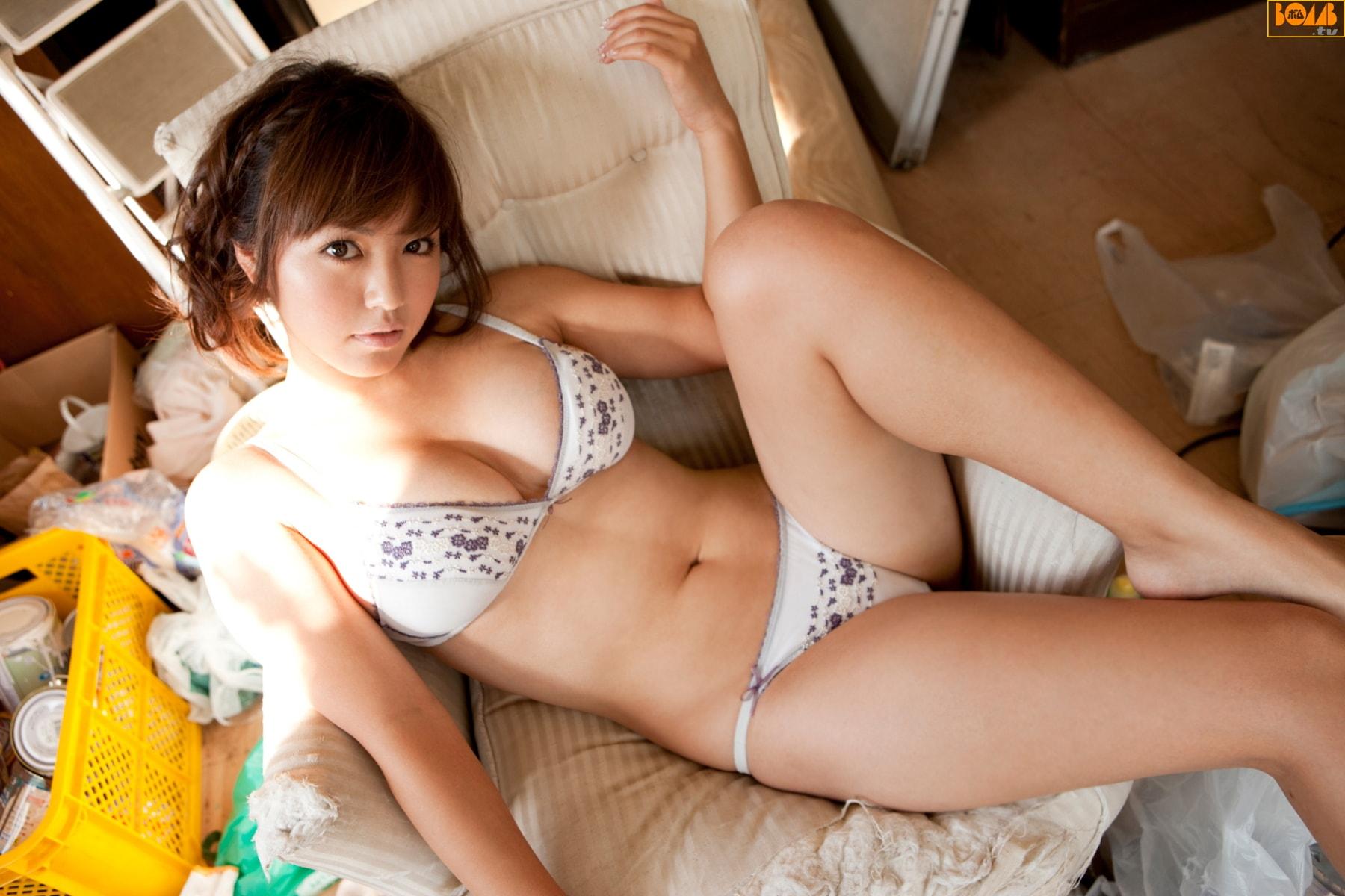 磯山さやか BOMB.tv 2010.03 Sayaka Isoyama  24photos