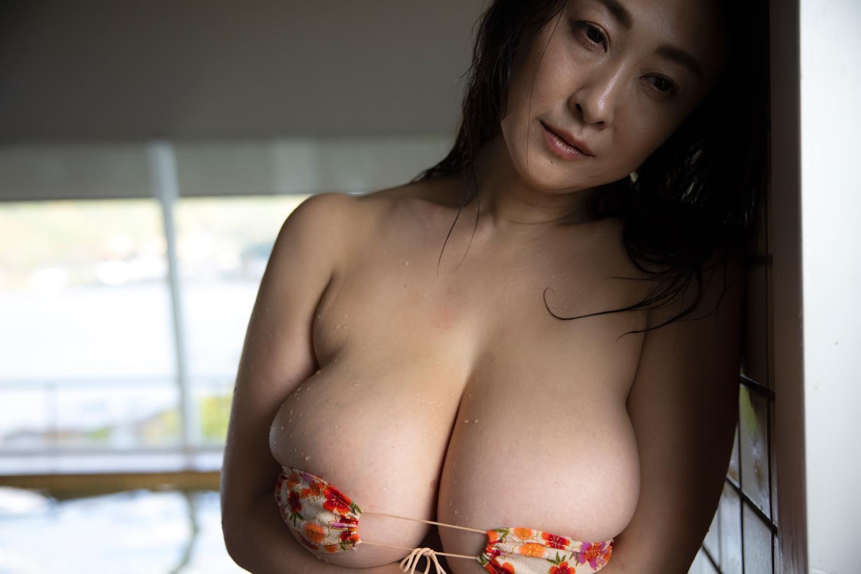 沢地優佳「熟した果実」 ギルドデジタル写真集 112photos