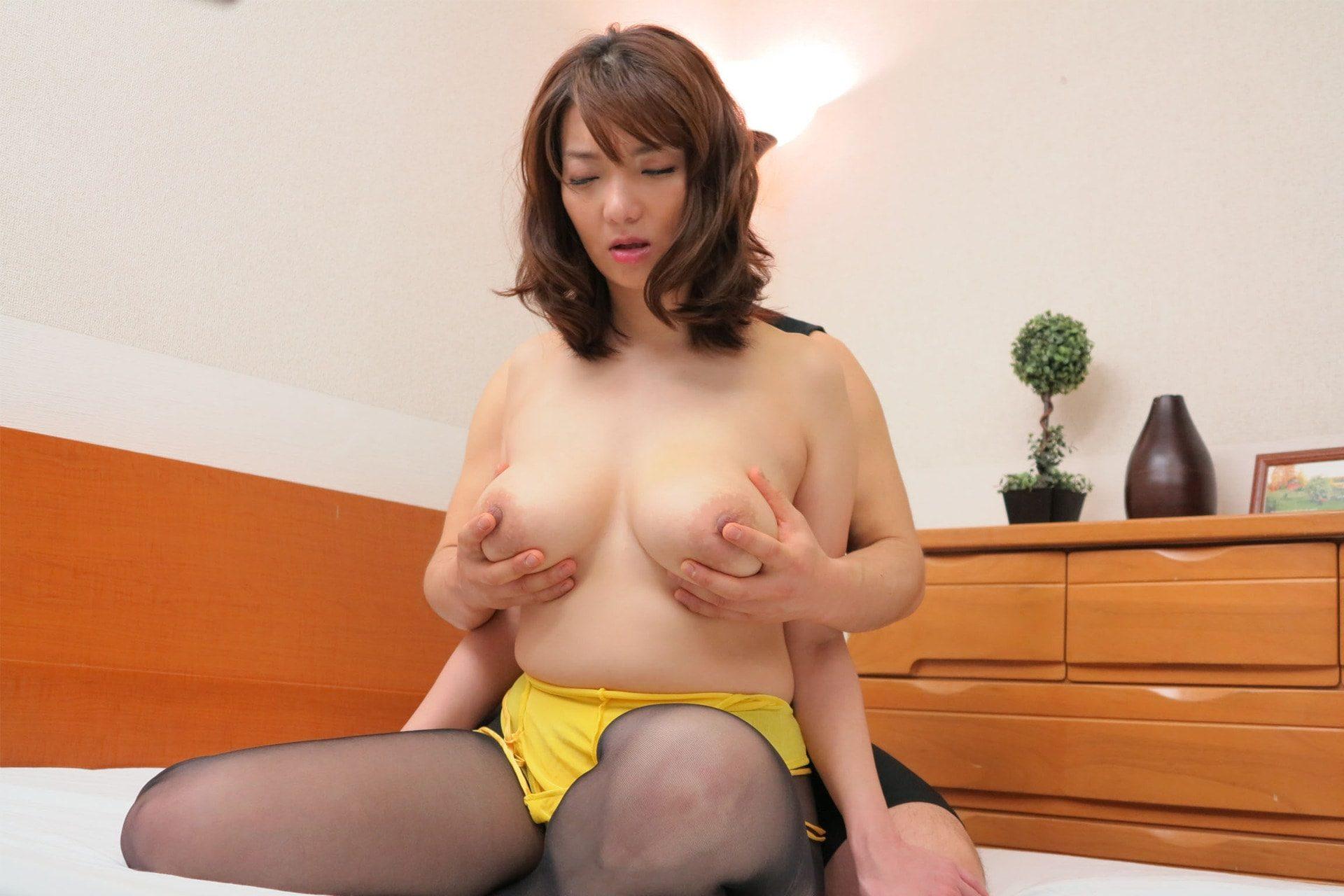 高橋美緒-熟女・人妻 非日常的悶絶遊戯- 人妻・熟女シリーズ 42photos